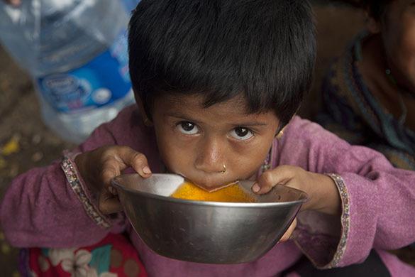 Минздрав Пакисана: Большинство из 1200 жертв аномальной жары в Синде были бездомными и наркоманами. Пакистан, ребенок