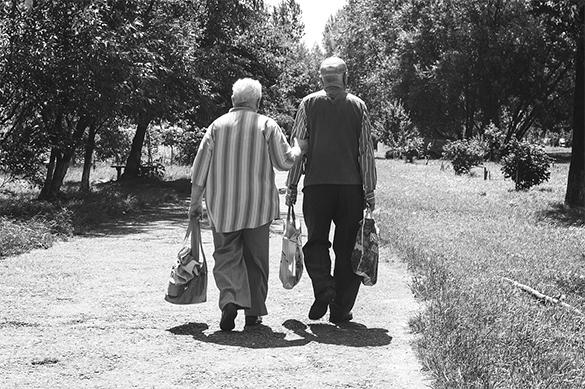 Пенсионеры не вынесли первой за 70 лет разлуки и умерли в один д
