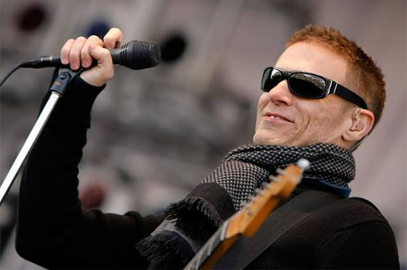 Легендарный рок-музыкант отказался петь по гей-причине