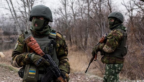 В Киеве подростки избили солдата ВСУ