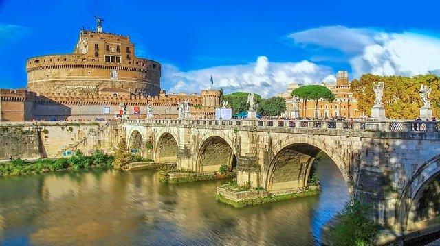 Ватикан объявил о закрытии музеев из-за коронавируса. 405806.jpeg