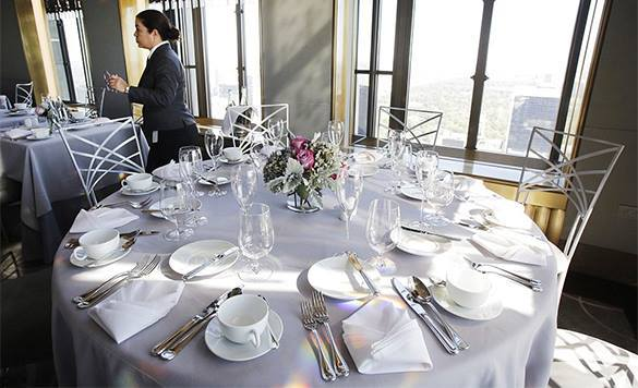 """Ресторан в Техасе раздел официанток до нижнего белья для создания """"дружеской и веселой атмосферы"""". 310808.jpeg"""