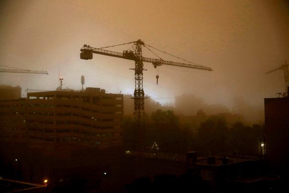 Необычная песчаная буря ударила по Тегерану, четверо убиты. Необычная песчаная буря поразила Тегеран