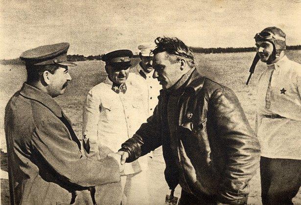 Через 20 лет мир узнает, как на самом деле погиб Чкалов