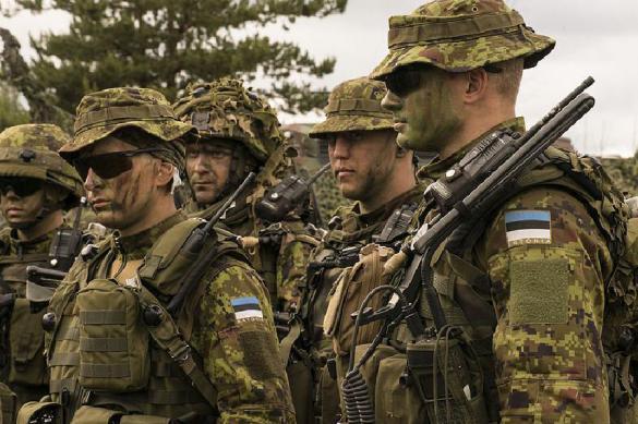 Эстонские солдаты НАТО отказались петь про убийство русских. Эстонские солдаты НАТО отказались петь про убийство русских