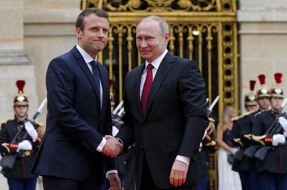 Песков подтвердил встречу Путина и Макрона