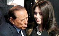 Католическая церковь призвала Берлускони к разуму