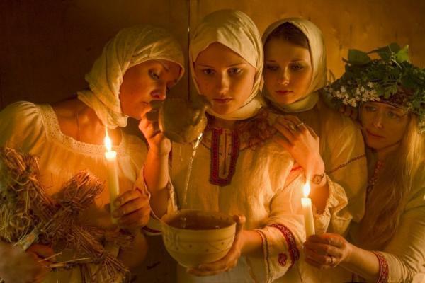 Как гадать на Святки? Самые верные обряды из разных стран. Как гадать на Святки? Самые верные обряды из разных стран