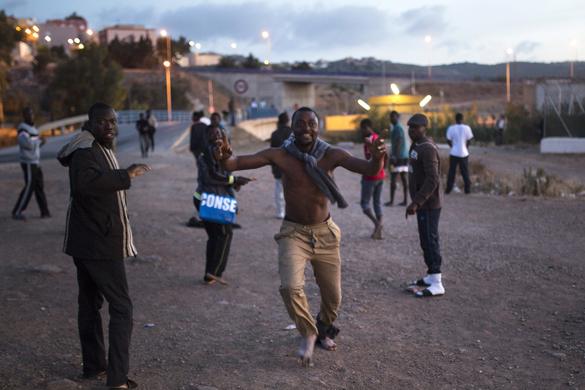 Беженцы зашивают себе рты в Европе