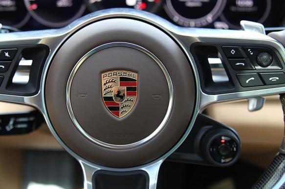 Porsche и стартап XAIN приступили к тестированию блокчейн на Porsche Panamera. 383826.jpeg