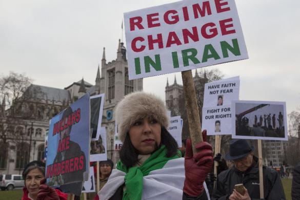 США отвели год, чтобы покончить с иранским