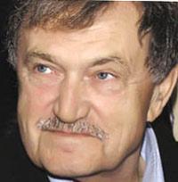 Писатель Аксенов попал в реанимацию