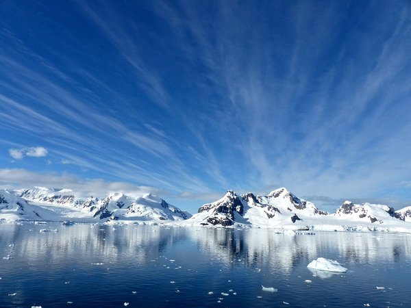 Русские не испугались ледяного безумия: как Лазарев открыл Антарктиду. Русские не испугались ледяного безумия: как Лазарев открыл Антарктиду.