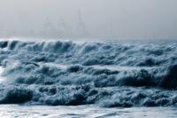 На Курилы и Камчатку идет мощный шторм