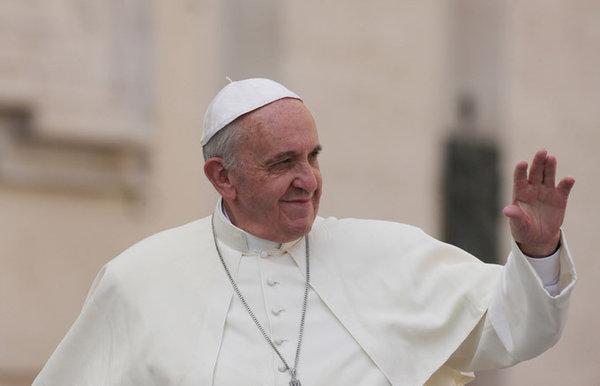 Папа Римский начинает благословлять на компьютере. 307833.jpeg