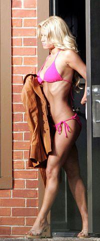 Американская Барби Джессика Симпсон предпочитает диету «5