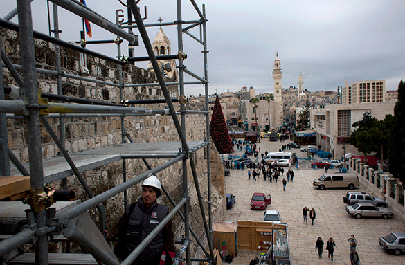 В Иерусалиме грузовик въехал в толпу пешеходов