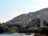 Рио-де-Жанейро отгородится от трущоб стеной