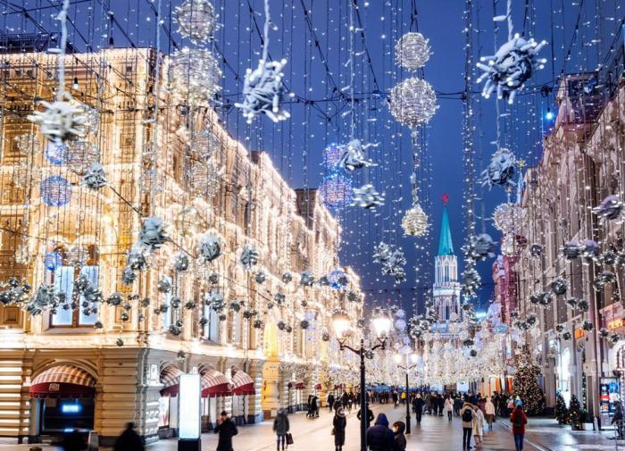 Лужков недоволен темпами реконструкции Большого театра