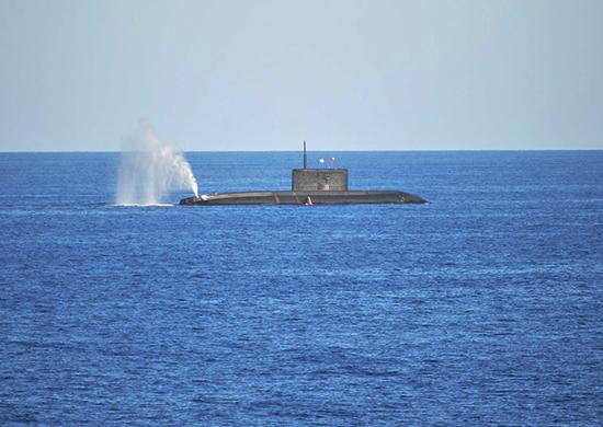 "НАТО ""проводило"" российские подлодки с севера на юг. НАТО проводило российские подлодки с севера на юг"