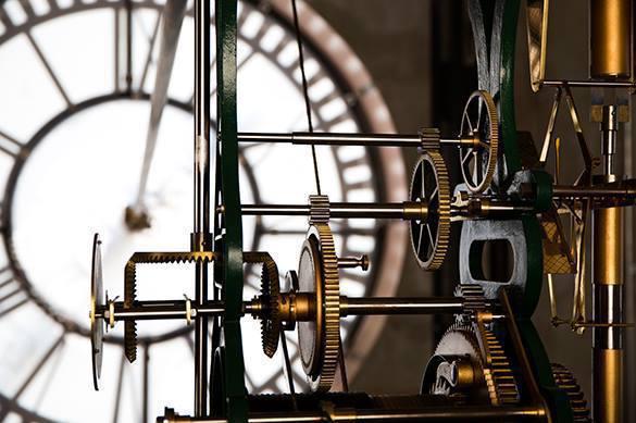 Физики: Время похоже на кинопленку