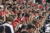Установлен рекорд по одновременной игре на саксофоне. saxophone