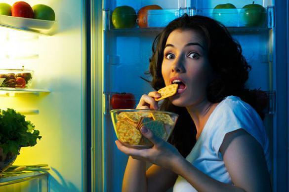 Медики предупредили о губительности поздних ужинов