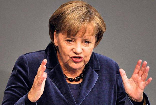 Меркель борется против наступления