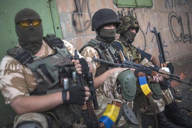 Сотрудники военкомата будут воевать в рядах Нацгвардии на Донбассе.