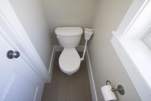 В Москве коммунальщики лишили владельца квартиры канализации за чужие долги. 395843.jpeg