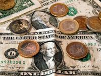 Бизнес-сводка: рубль отвоевал у доллара 34 копейки. 266849.jpeg