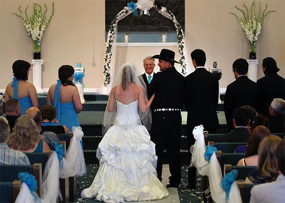 В штате Оклахома разрешили только церковные браки. США. Бракосочетание в церкци