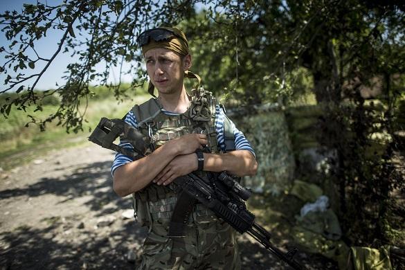 Пьяный украинский военный подорвался на гранате, выясняя ее устр