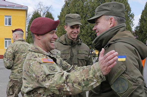 Рон Пол: США поставляют оружие на Украине на фоне волны политических убийств. 317867.jpeg