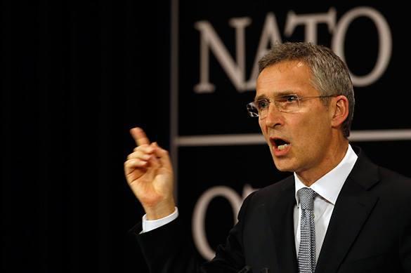 НАТО расширяется из-за военной мощи России