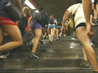 Тысячи людей оказались в метро без штанов. 278868.jpeg