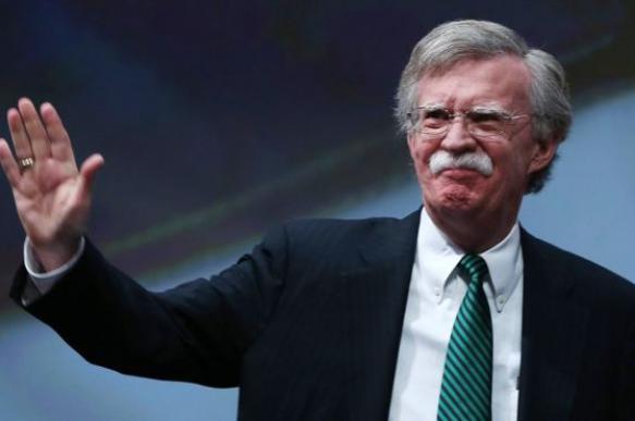 Советник президента США раскритиковал КНДР за