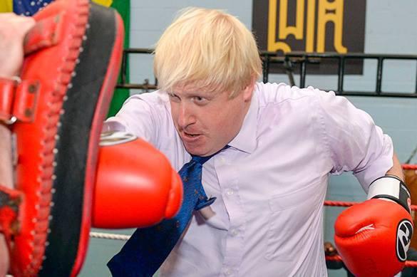Джонсона пообещали оставить на посту главы МИД Великобритании