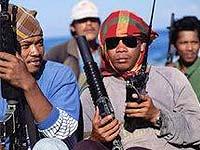 Матросы отбили атаку пиратов струями воды