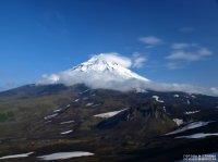 Вулкан Эбеко засыпал Северо-Курильск пеплом