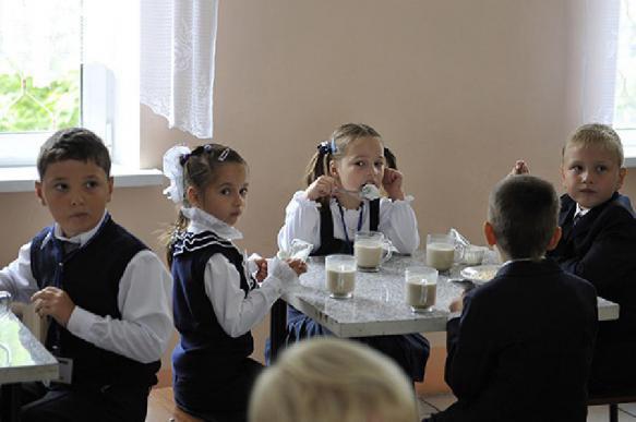 Роспотребнадзор хочет запретить школьникам приносить домашнюю еду. 396874.jpeg