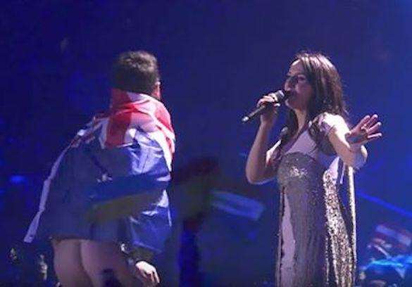 Голый зад пранкера на«Евровидении» разочаровал Порошенко