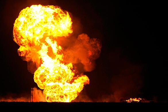 В Харьковской области горит и взрывается крупнейший склад боепри