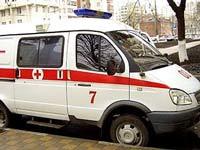 Иномарка протаранила остановку в Курской области, трое погибли