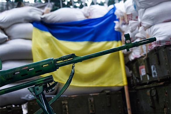 Киев одной рукой воюет, другой торгует