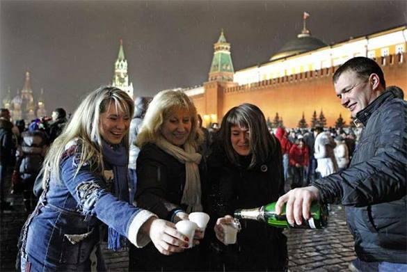 В Свердловской области девушку приговорили к обязательным работам за призыв не отмечать Новый год. шампанское, Новый год
