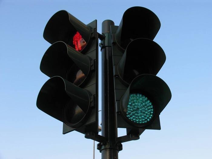 В московские светофоры встроили скрытые камеры для фиксации нарушений. В московские светофоры встроили скрытые камеры для фиксации нару