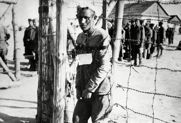 Президент Германии: Немцы забыли про гибель миллионов советских пленных. Концлагерь