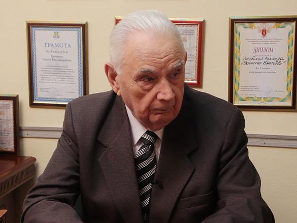 Германия хотела сделать из СССР музей. Интервью с военным историком Борисом Уткины