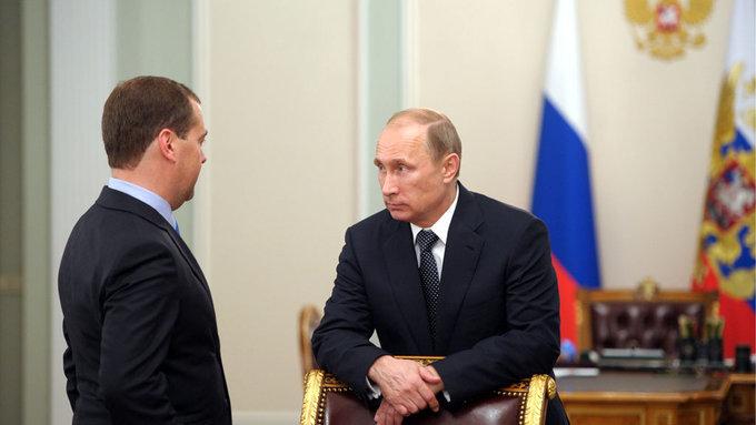 Кремль: Путин и Медведев стараются не покидать Россию одновременно. 394887.jpeg